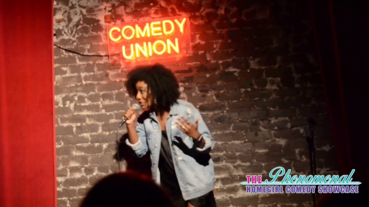 ASHLEIGH SHAPIRO performs at The Comedy Union