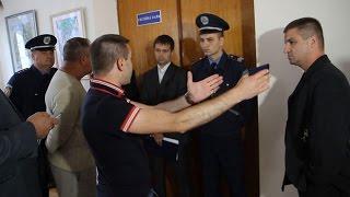У сесійну залу Житомирської облради сторонніх осіб не пустили через повідомлення СБУ - Житомир.info