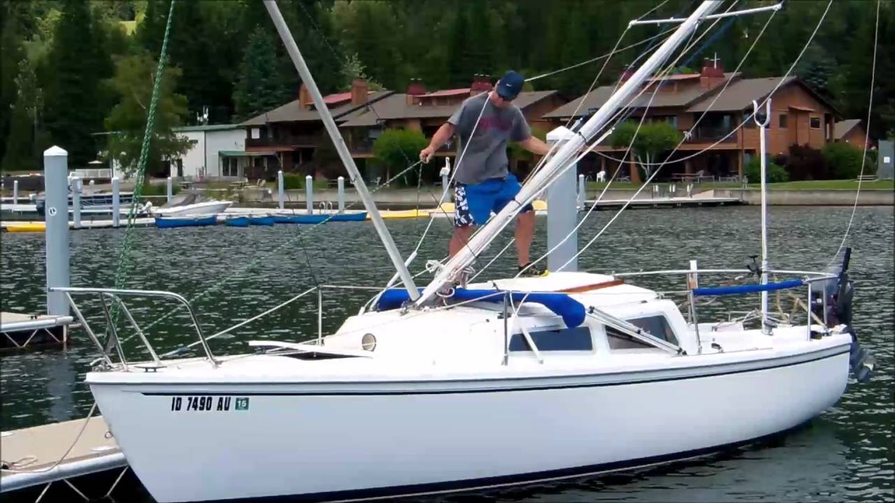 Lowering the Catalina 22 Mast Using the Boom as a Gin Pole ...