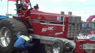 Crash Interaction Zapo Made Tractor Pulling 2012 by MrJo