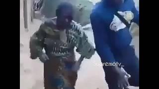 Cheki bibi huyu akichezi mziki wa darasaa hatar