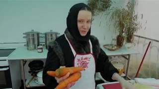 Салат из свежих огурцов и моркови