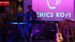 Bagus Bhaskara live Performance at Chics Kopi (Chics Musik)