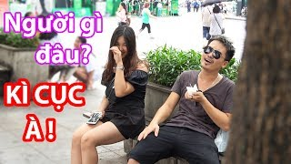 KÊU GÀO ĂN ĐỒ ĂN BÊN CẠNH GÁI XINH - Crying while eating Prank