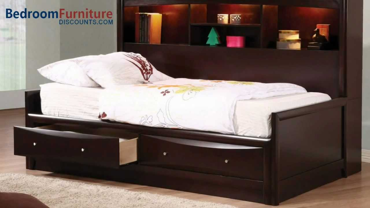 Coaster Phoenix Youth 4pc Daybed Bedroom Set in Cappuccino