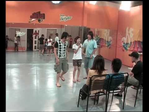 Nốt nhạc ngôi sao: Hoàng Khánh Linh tập Chàng hát rong, Danh - Lân nhảy