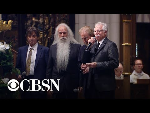 Oak Ridge Boys sing Amazing Grace at former president George H.W. Bushs funeral