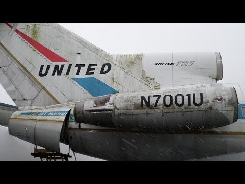 Detailed Views of the First Boeing 727 Built