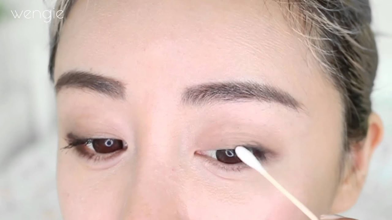 how to make hooded eyes look bigger