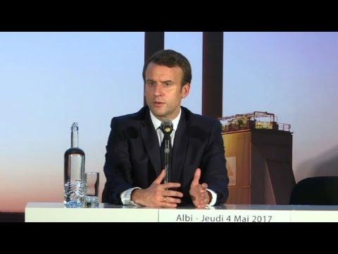 Présidentielle: Macron revient sur la rumeur du compte offshore