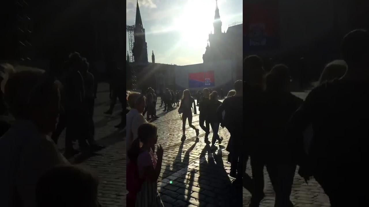 Пробежал по Красной Площади.