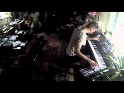 Harted - Pianoset at Studio Spotlight - 01-10-15