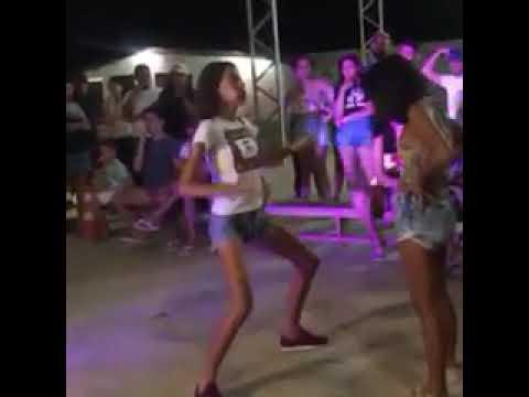 Magrinha Dançando Funk