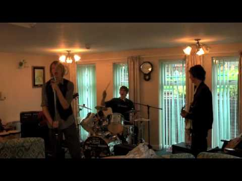 Not Amused Live @ Scattergate Sheltered Housing (OAP Lounge) mp3