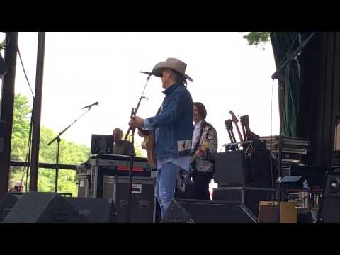 """Dwight Yoakam """"Suspicious Minds"""" Super Encore Live at Indian Ranch, MA, on August 18, 2019"""