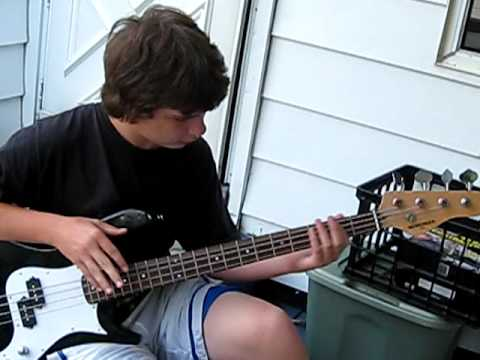 How to play walk by pantera on the bass guitar - YouTube