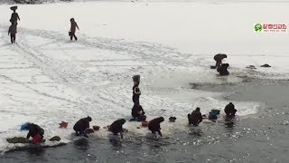 (북한실제영상) 압록강여인들에게서 들리는 소리는 진짜다...