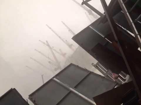 Crane falls in grand mosque makkah