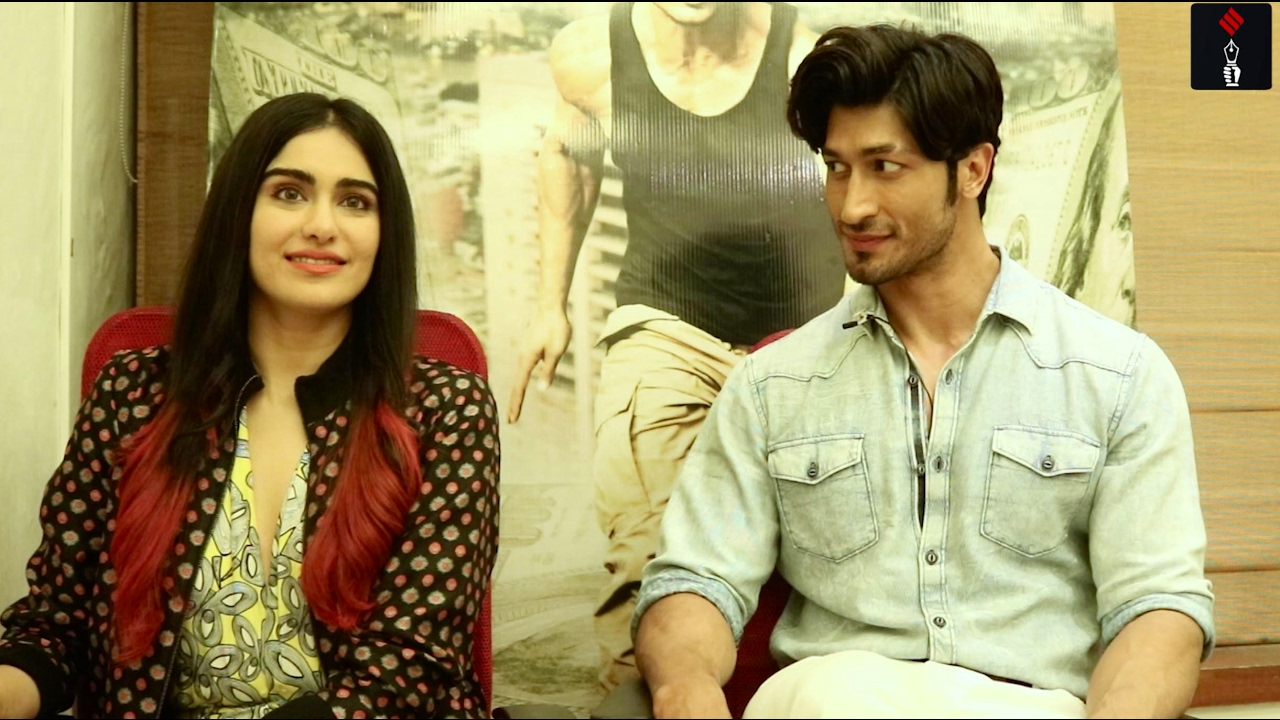 Vidyut jamwal interview about mona singh dating
