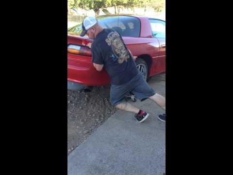 Guy snaps his Achilles tendon