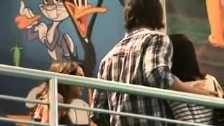 видео Сверхъестественное в Малибу с Дженсеном Эклзом
