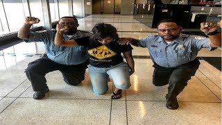 2 Black Chicago Cops Reprimanded After Taking Pic With Activist In Support Of Colin Kaepernick