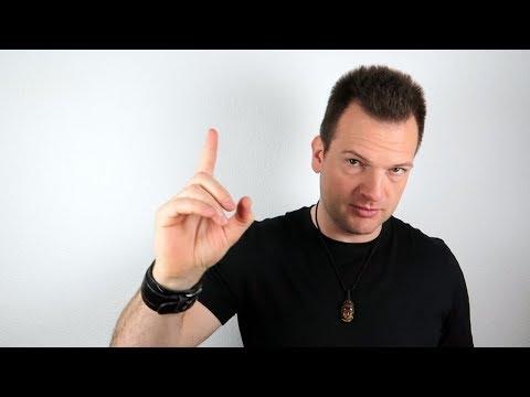 In diesem Spiel verteilen die Männer fleißig Eigenschaften | Temptation Island - Folge 07 from YouTube · Duration:  4 minutes 29 seconds