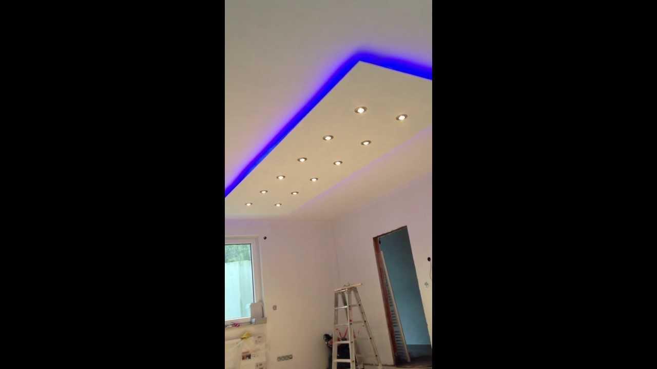 best decken design mit beleuchtung wohnung bilder. Black Bedroom Furniture Sets. Home Design Ideas