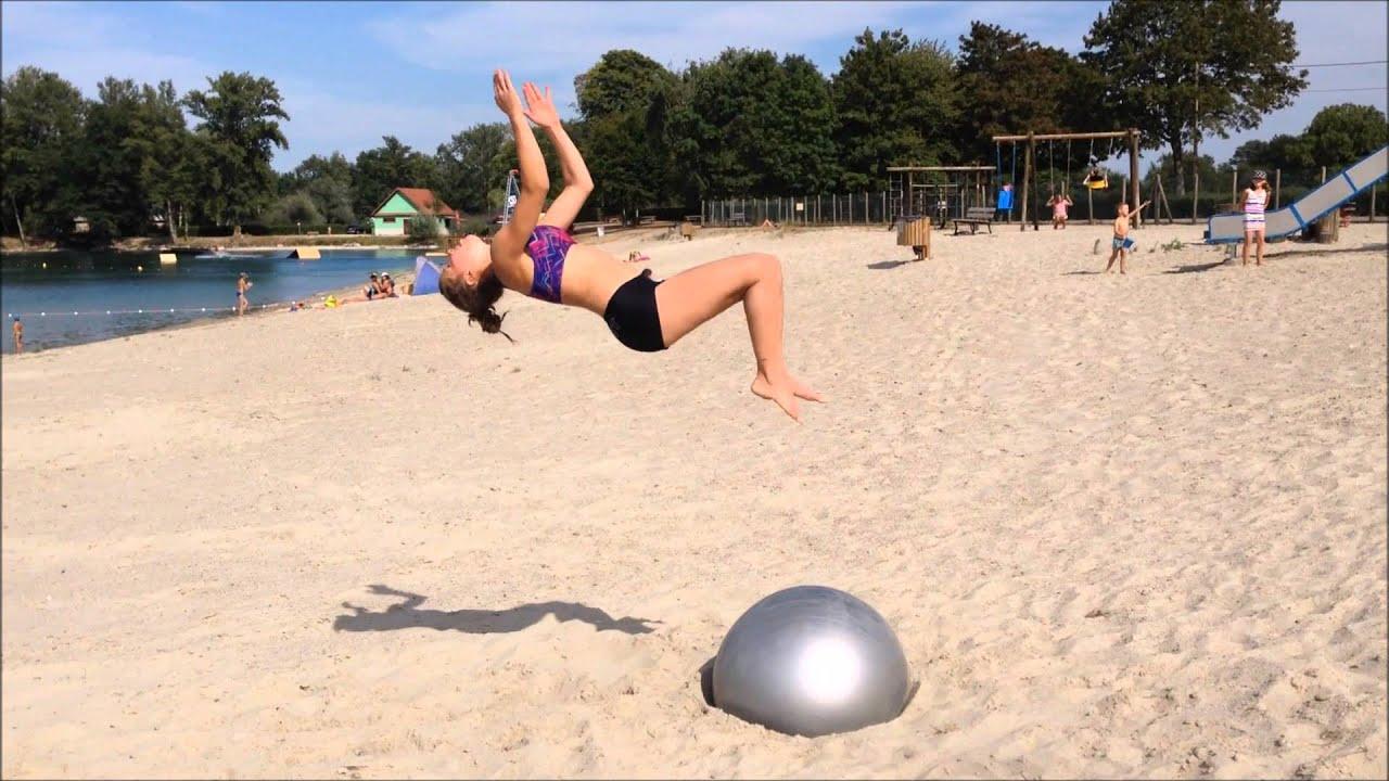 gymnastique sur la plage; ballon - youtube
