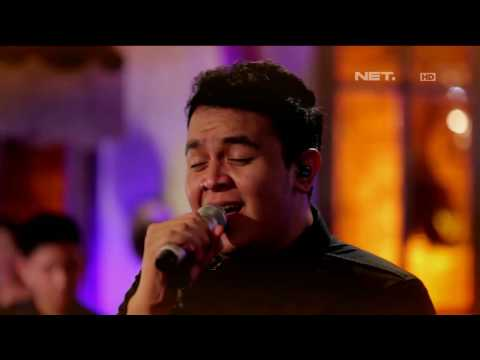 Pongki Barata ft Tulus - Seribu Tahun Lamanya (Live at Music Everywhere) **
