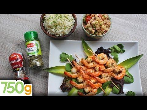 recette-de-brochettes-de-gambas-grillées-aux-herbes-de-provence-et-sauce-salsa-maison---750g