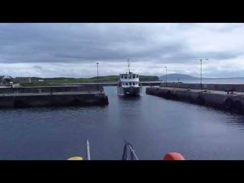 Rathlin Express coming into Rathlin Harbour