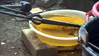 quenching bilah O1, menggunakan minyak sayur