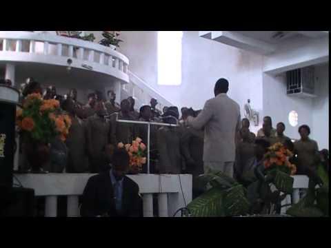 Chorale Les Theophiles de Lascahobas :: Funerailles Madame Dorce Casimir 12 Avril 2014
