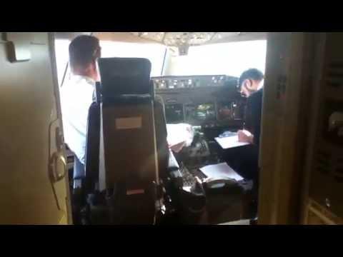 Emirates Boeing 777-300 Cockpit Tour HD