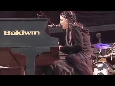 Evanescence - Breathe No More - Live at Rock am Ring 2004 [HD]
