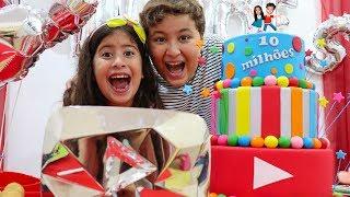 FESTA SURPRESA PRA MARIA CLARA E JP  COM 10 MILHÕES DE AMIGOS!!! ♥  10 Million Subscribers!