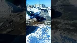 В районе Топольчанской по-прежнему тонут машины и люди