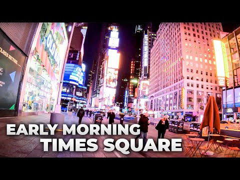 ⁴ᴷ⁶⁰ Early Morning Walk in Times Square, NYC during the Holidays 2018