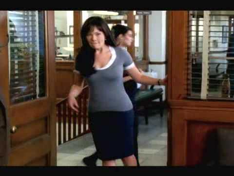 Eastwick  1x01 Sneak Peek 2