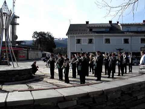 Aurdal Musikkorps - 1. mai 2007 - Fagernes sentrum