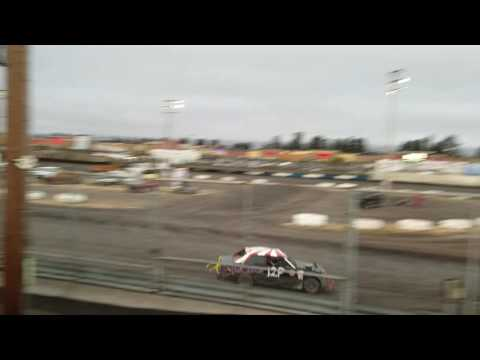Petaluma Speedway 9-10-16 Mark Washington main event 1st 1/2 of race