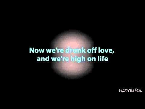 Клип Travis Garland - Long Way From Lonely