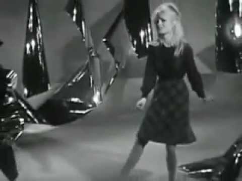 Brigitte Bardot - L'appareil à sous