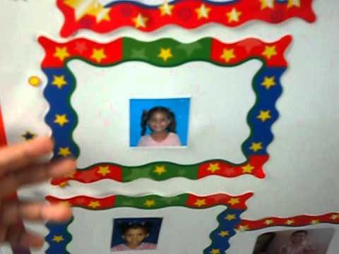 Eliana mostrando su foto en mural de honor avi youtube for Elaborar un periodico mural