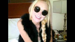 Lindsay Lohan se arregló los dientes