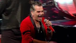 """Nella terza serata del festival di sanremo ediz.2020 piero pelù presenta una versione molto rockeggiante """"cuore matto"""", pezzo che little tony cantò in cop..."""