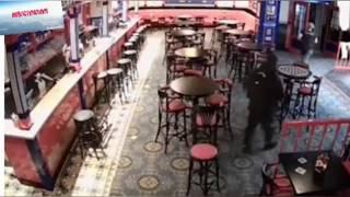 Смотреть видео В Москве бармен убил засидевшегося гостя онлайн