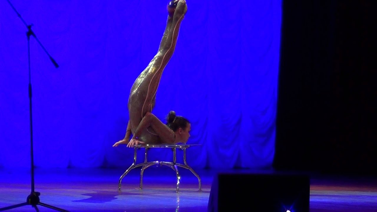 video-seks-akrobatika-plastika-kauchuk-seksi-fontanom