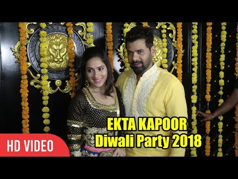Shabir Ahluwalia with Wife Kanchi Kaul Look Stunning at EKTA Kapoor Diwali 2018